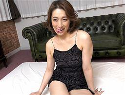 ごっくんする人妻たち 61 ~濃厚ザーメンは美容エキス~
