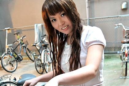 旦那以外の肉棒に魅了された淫乱主婦 清川芳恵