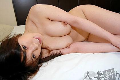 豊満で柔らかな乳房の美形人妻 堀いずみ