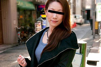 熟女ナンパ シーズン 〜巨乳熟女をナンパ〜SHIN 花田いずみ