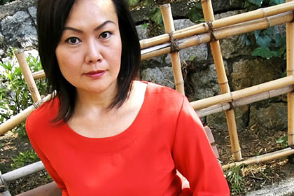 96cmの豊乳熟妻 三田村薫