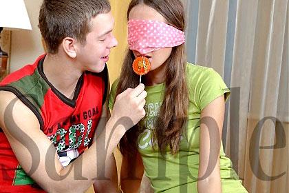 さぁこれはキャンディー?それともちんぽ?/キャンディーとチンポを両方しゃぶる欲張り娘 / ジューン