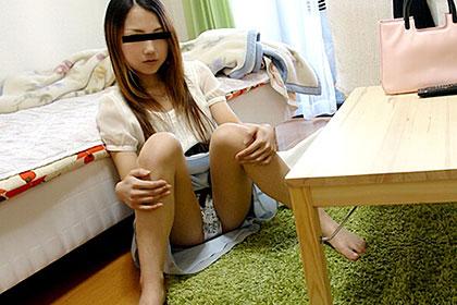 ひとり暮らしの女の子のお部屋拝見 顔出しNGだった美形の素人 畑詩織