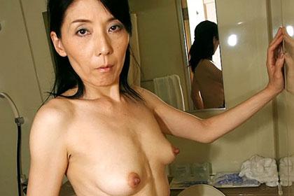 「鏡を見ながら変態オナニーしてます」 田宮千鶴