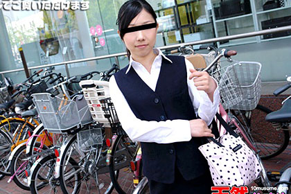 素人のお仕事 〜デパガ娘をパイパンにしてやりました!〜 花田静香