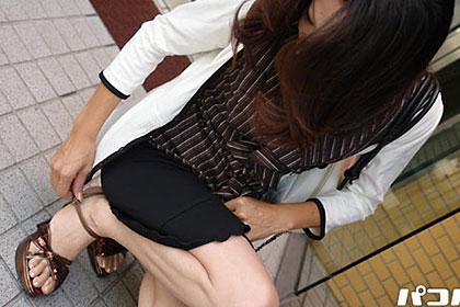 気の強い美脚妻 三枝千鶴 34歳