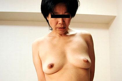 工場勤務の主婦に中出し 丸山芳子