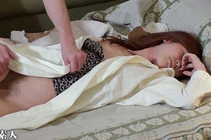 気になっていた女友達と居酒屋デート!飲みすぎて泥酔状態の彼女が寝ているところにがっつり中出し!翌朝彼女はまったく覚えていませんでした。