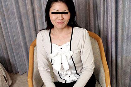 ごっくんする人妻たち 32 網ワンピ垂れ巨乳妻が初ごっくん2連発 秋川鈴子