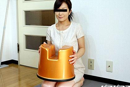 あの清楚な奥様が?! スケベ椅子を持参する美魔女の宅配ソープ嬢 真城彩華