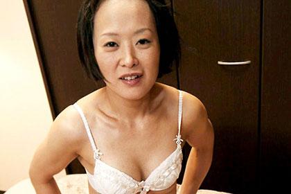 肉棒に飢えた他人妻 堀山那津代