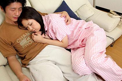 オプション付きの添い寝屋さん 女の子が寝ている隙にイタズラ 香坂澪