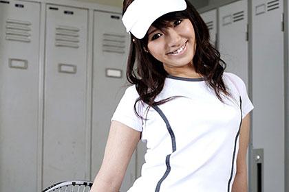 世間知らずの新入生をサークルに勧誘! テニスウェアが似合う女子大生をハメる 桐原さとみ