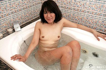 熟妻の見せる竿責め玉責め 蒔田松恵