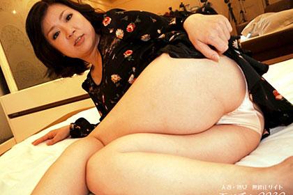 セックスレスに悩むむっちりセクシー妻 内川真理恵
