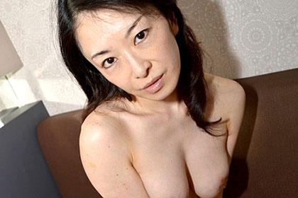 旦那にはヒミツです・・・ セックスレスに悩む巨乳奥さま 杉田美智