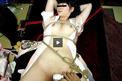 【2/3】調教願望 机に拘束された巨乳女を2穴責め 半谷明美