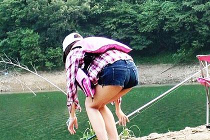 静かな湖畔の森の影・・・ 釣り愛好家の女に忍び寄る性的倒錯者 木下佐緒里