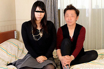 人妻投稿映象 自分相手では勃起しなかった旦那がAV女優とセックスする様子を見せられた人妻 城川さち