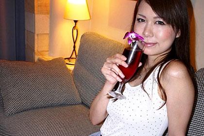 素顔のAV女優と飲み&泊まりでハメ撮りSEX by HAMAR 前編 甲斐ミハル