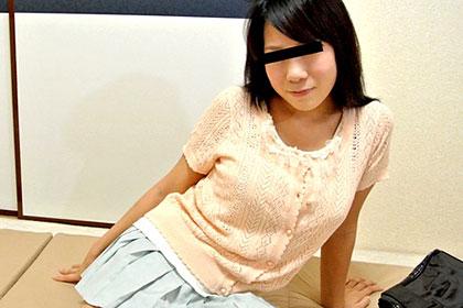 Gカップ素朴娘を密室独り占め 変態オヤジが20歳の身体を開発 星崎亜耶