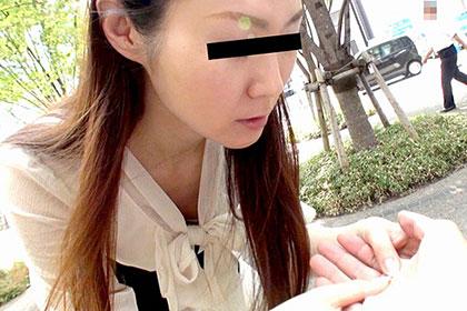 見習い中の占い師を自宅に連れ込み3P姦り放題 高月弘子