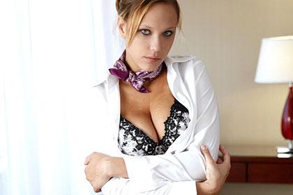 現役CAの丸秘プライベートビデオ 素顔のセックス アレクシア・ラエ