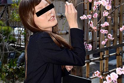 会社をサボってでも挿れたがるヤリたい盛りの美人OL 早川リナ