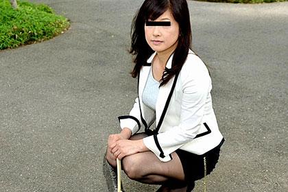 欲求不満の美人妻をナンパでゲット! 沖田千賀子