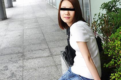 可愛いドMメイドを目隠し拘束して変態プレイ 岡田優子