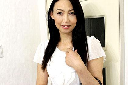 五十路熟女 フェラ上手な浴衣奥様の卑猥な妄想 松川薫子