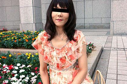 未婚の五十路熟女 渦巻きアンダーヘアをジョリジョリ剃毛 斉藤好子