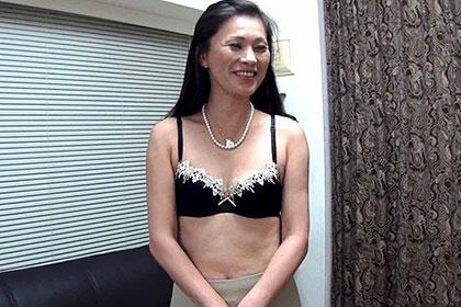 面接に来たスレンダー美女に「講習」と称して中出しまでしちゃった熟女風俗店の裏側 赤坂エレナ