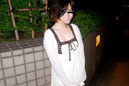 カマトトぶった色白若妻と汗だくになってとことんヤリまくる 高田和美