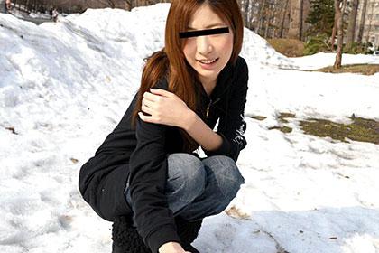 雪国ビキニ 真冬の水着ハメはいかがですか? 秋吉みなみ