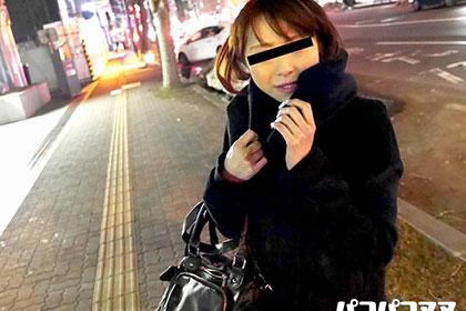 恥じらい熟女の自然な痴態 緊張しすぎて喘ぎ声が出せない美熟女 高橋幸江