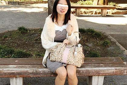 素人娘に逆ナンさせてみました 奥手男子に中出しまで許しちゃった 戸田夏希