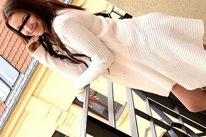 SNSサイトで知り合った18歳の美少女 エッチで可愛い潮吹き娘 VOL2 シンディー