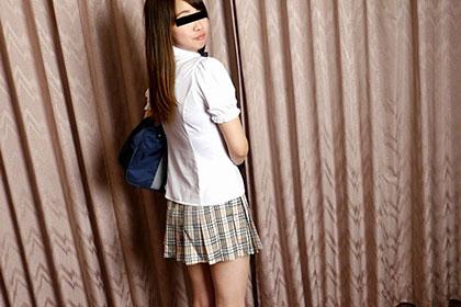 制服時代 ピチャピチャ淫音をたてるJKマンコを見てください 石田朋美