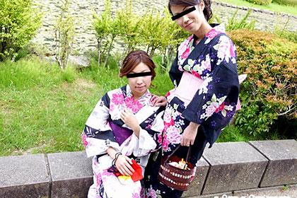 仲良しすぎる同級生 浴衣姿の淫乱熟女は3Pがお好き 青葉弘子&川上信子