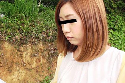 山道で迷子になった女を拾って強襲カーSEX 小野田早紀