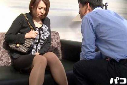 人妻投稿映像 再婚した旦那の目の前で元・旦那にヤラれるM妻 水元恵梨香