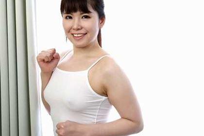 ノーブラの美ジョガーをナンパ ジョギングが趣味のスケベ看護師 上原茉咲(青山みゆき)