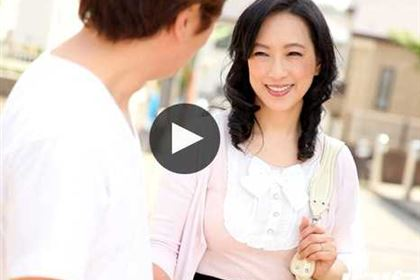 おばさんぽ 美熟女と地元を思い出散歩 服部圭子