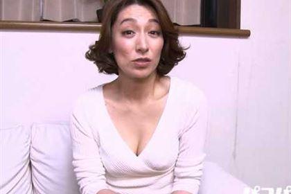 スッピン熟女 〜本気で照れる松本まりな〜