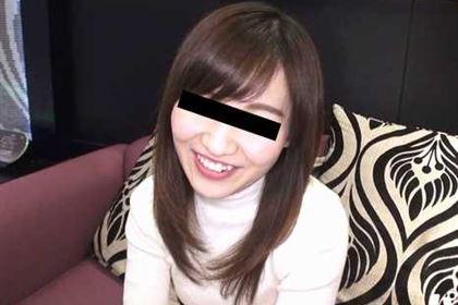 スッピン熟女 〜美顔になる!?人生初の変態パック〜
