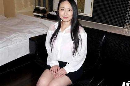 ごっくんする人妻たち93 ムッチリ巨乳の黒髪熟女 加藤まりえ(若葉あゆみ)