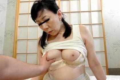 好色なオバ様のアナルセックス 華城咲(如月冴子)