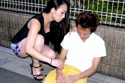 肉食系熟女の餌食は泥酔男 椎名綾(若葉あゆみ)