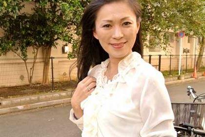 人妻風俗の生ハメ実技面接 赤坂エレナ